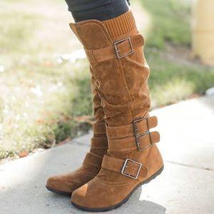 Boots sz 8